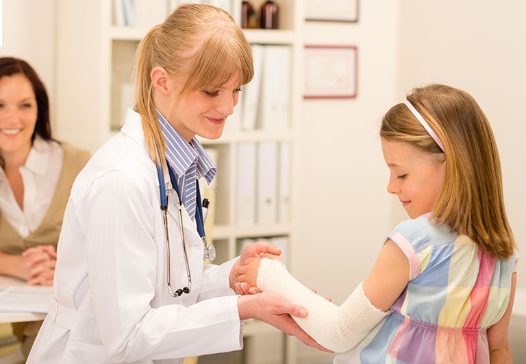 Tập vật lý trị liệu sau gãy tay có thể được áp dụng sau khi bất động vài ngày
