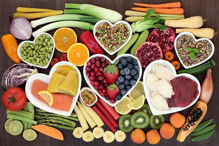 Nên tập vật lý trị liệu sau gãy tay kết hợp với chế độ ăn uống đầy đủ chất dinh dưỡng