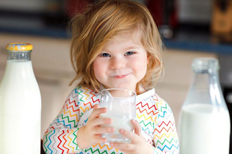 Sữa tốt cho trẻ bị còi xương